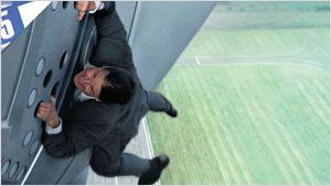 """5 incroyables cascades de Tom Cruise dans """"Mission Impossible"""""""