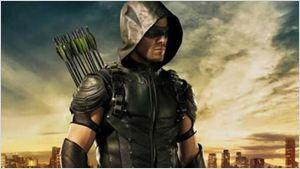 Arrow toujours prêt à défendre la ville sur l'affiche de la saison 5