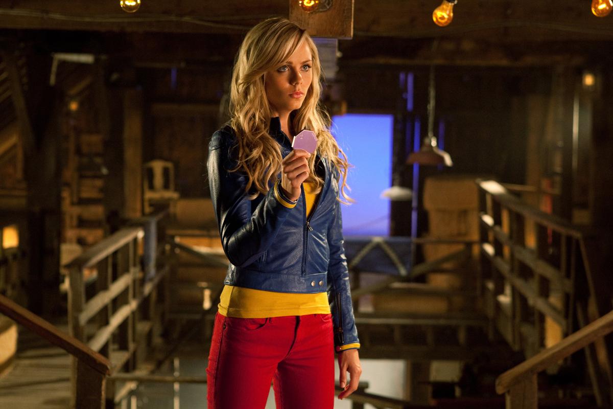 Photo de Laura Vandervoort dans la série Smallville ...