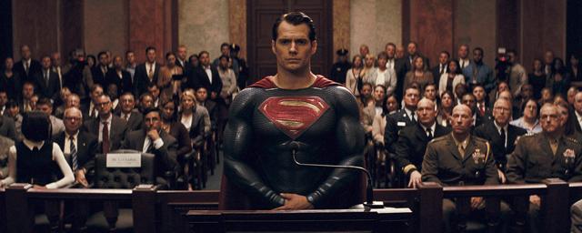 Superman : Henry Cavill fête le National Superhero Day à Paris