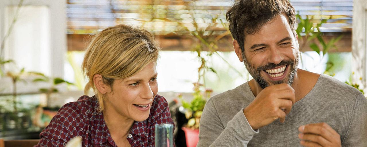Papa ou maman : découvrez qui remplacera Marina Foïs et Laurent Lafitte dans la série sur M6 !