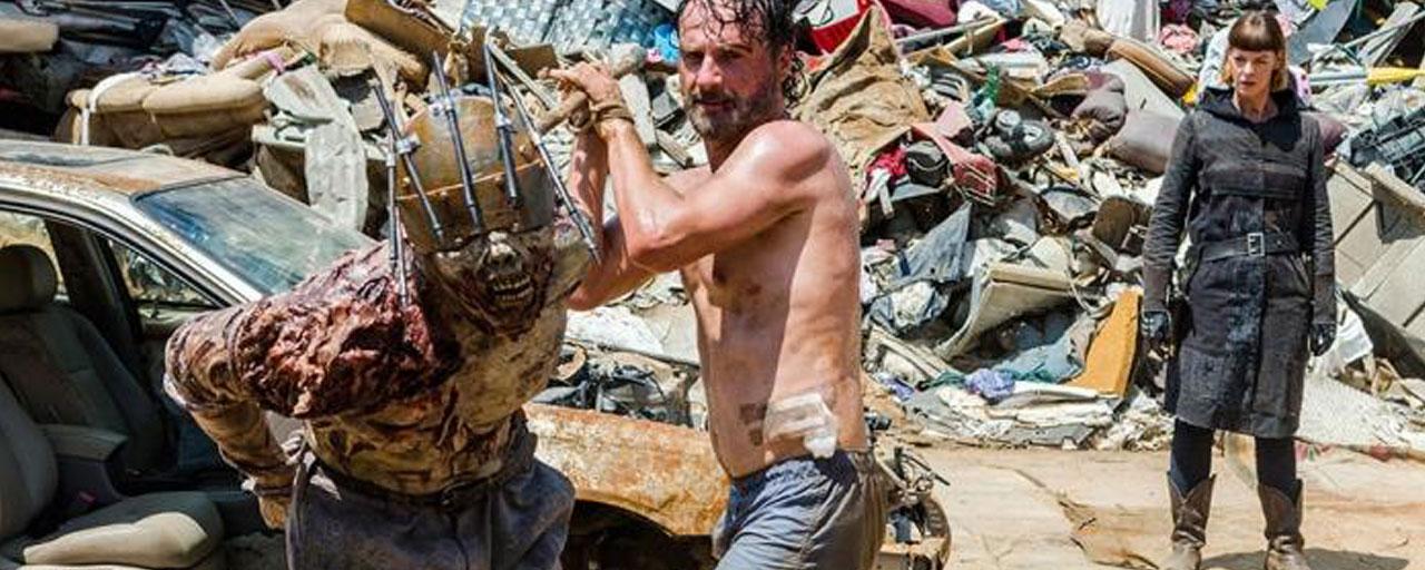The Walking Dead : vous ne verrez pas Andrew Lincoln se battre nu contre des zombies !