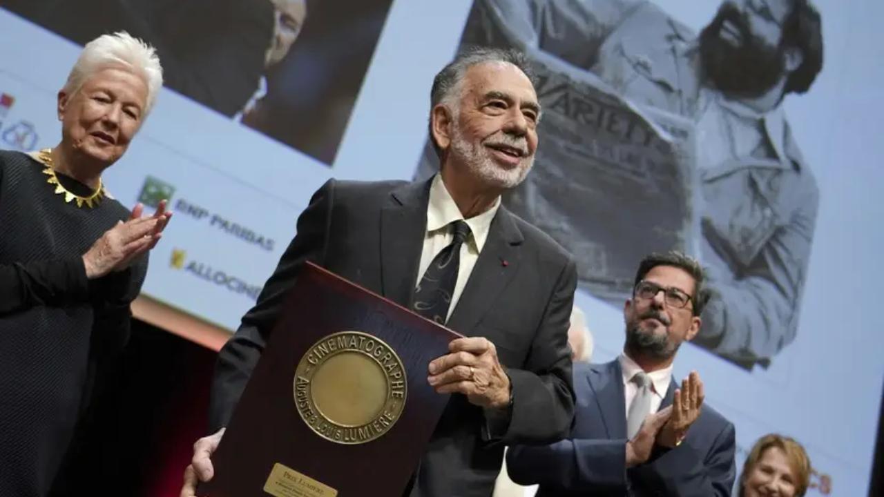 """Coppola : il descend les films Marvel et répond à """"l'étudiant"""" Alain Chabat au Festival Lumière"""