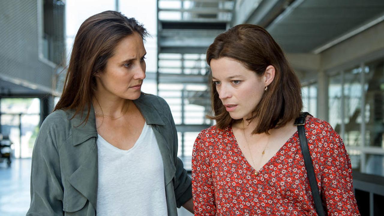 Peur sur le lac : que pense la presse de la série de TF1 avec Julie de Bona ?