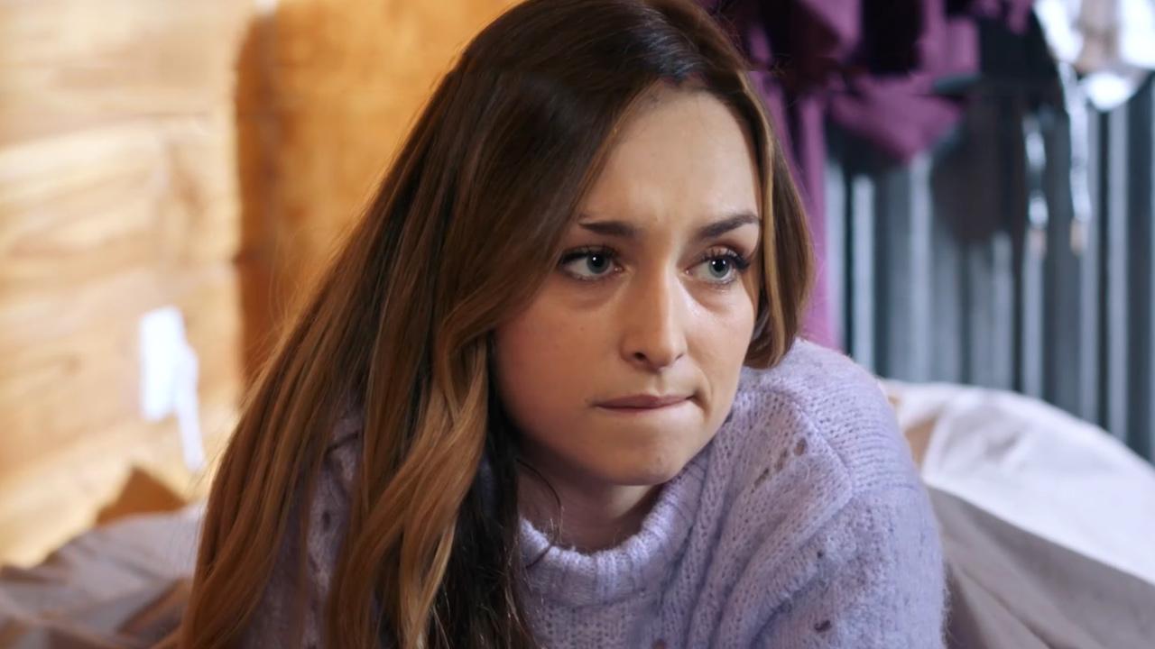 Demain nous appartient : Sofia (Emma Smet) bientôt victime du terroriste ? [SPOILERS]