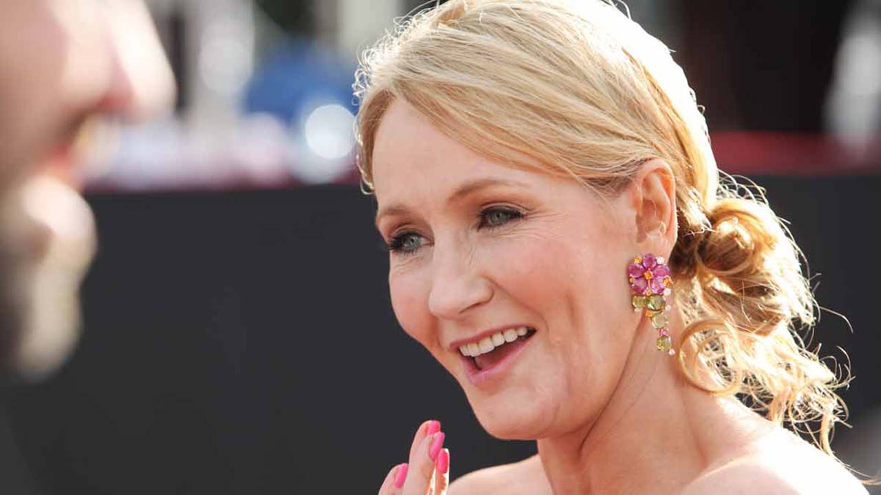 "Harry Potter : J.K. Rowling lance le site ""Harry Potter at Home"" pendant le confinement"