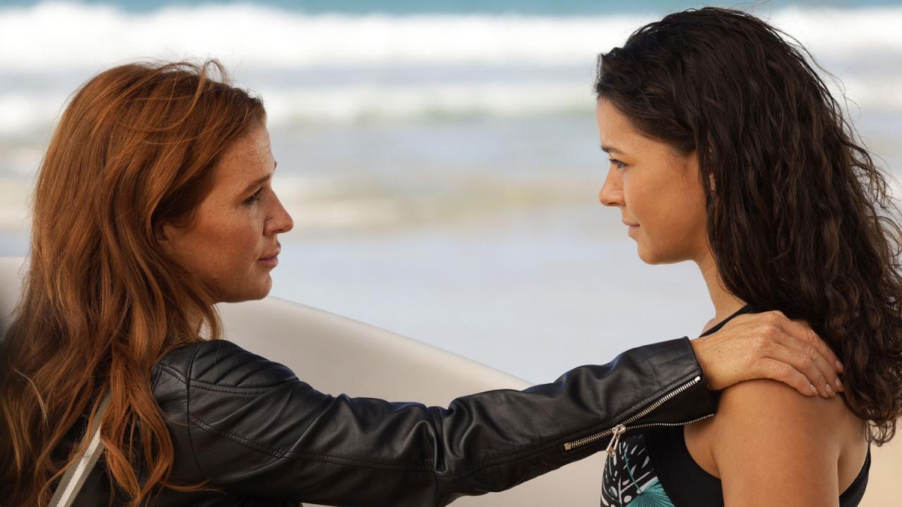 Reef Break (M6) : Petra est-elle la fille de Cat ? Poppy Montgomery réagit à l'étonnante théorie
