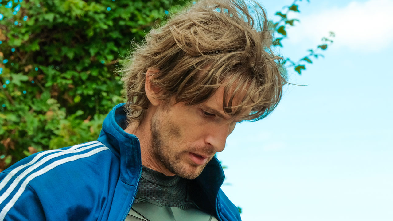 Philippe Lacheau dans Super-héros malgré lui : une photo et une date de sortie