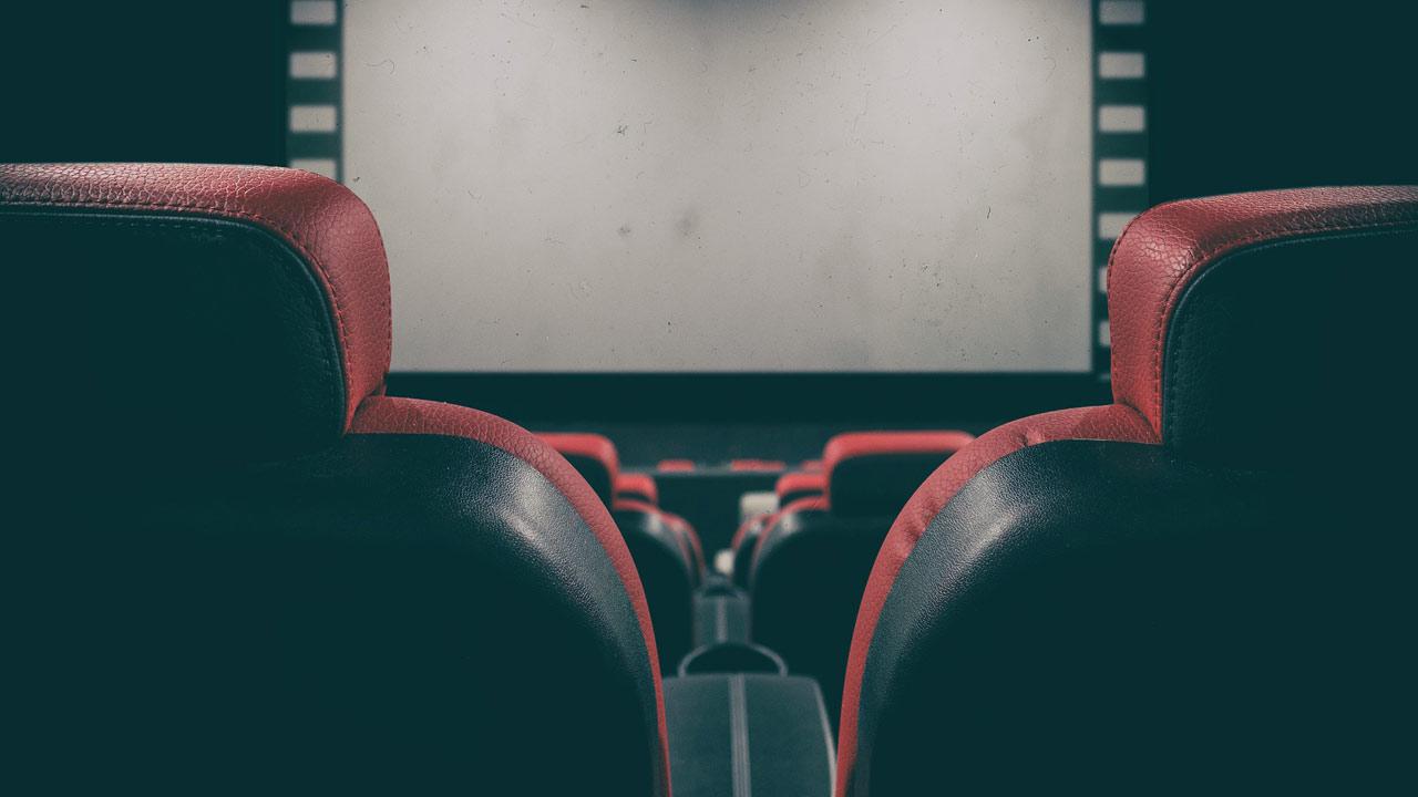 Cinémas à l'arrêt : le Conseil d'Etat maintient la décision de fermer les salles
