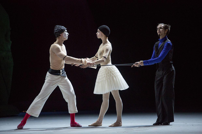 Photo 3 pour Carmen suite / Petrouchka (Bolchoï - Pathé Live)