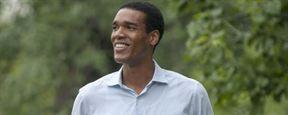 Qui est Parker Sawyers, l'acteur qui se glisse dans la peau de Barack Obama dans First Date ?