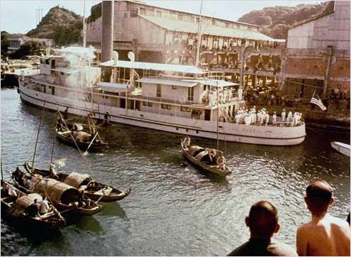 El Yangtse en LLamas 1966 .DVDRip eMule