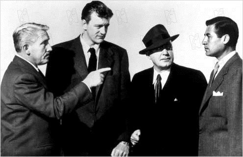 Le Peuple accuse O'Hara : photo James Arness, John Sturges, Pat O'Brien, Spencer Tracy