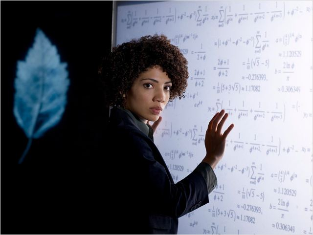 Fringe : photo Jasika Nicole