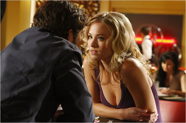 Chuck : Photo Yvonne Strahovski, Zachary Levi