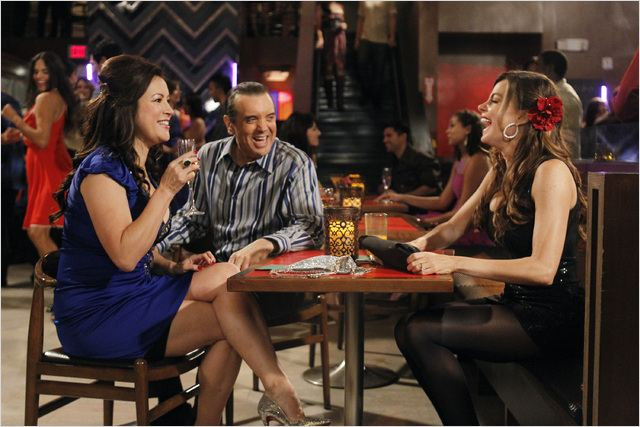 Modern Family : photo Chazz Palminteri, Jennifer Tilly, Sofia Vergara