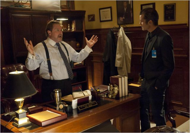 Photo Stephen Root, Timothy Olyphant
