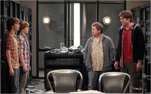 Photo Angus T. Jones, Ashton Kutcher, Graham Patrick Martin, Patton Oswalt
