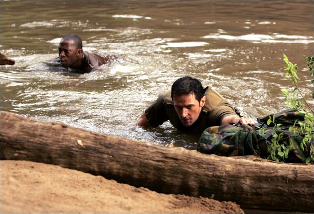 Strike Back : photo Richard Armitage, Shaun Parkes