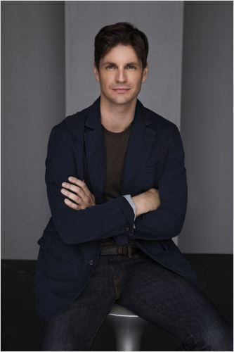 Hellcats : photo Gale Harold
