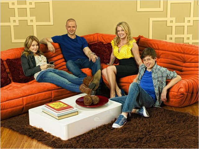 Melissa &amp; Joey : Photo Joey Lawrence, Melissa Joan Hart, Nick Robinson, Taylor Spreitler