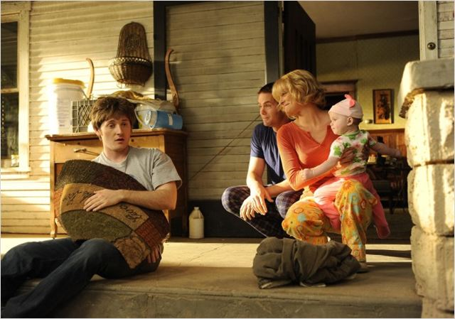 Raising Hope : photo Garret Dillahunt, Lucas Neff, Martha Plimpton