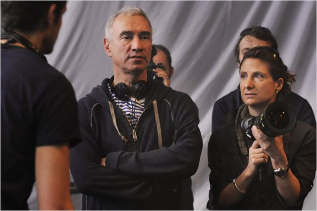 Anonymous : photo Roland Emmerich