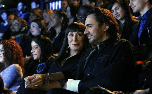 Smash : photo Anjelica Huston, Thorsten Kaye
