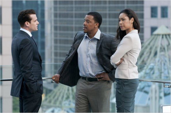 Suits, avocats sur mesure : photo Gabriel Macht, Gina Torres, Russell Hornsby