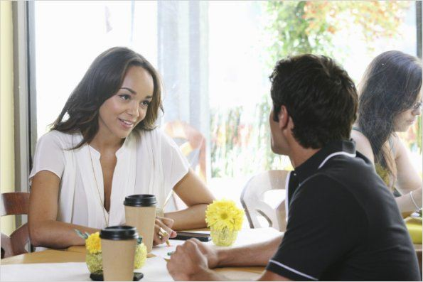 Revenge : photo Ashley Madekwe, Joshua Bowman