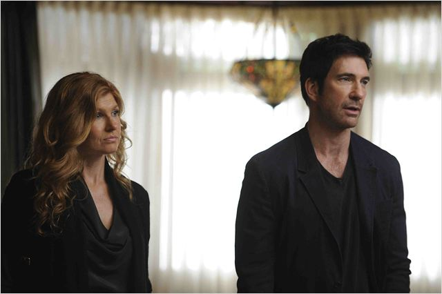 American Horror Story : photo Connie Britton, Dylan McDermott