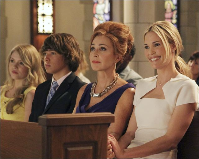 GCB : photo Annie Potts, Colton Shires, Lauran Irion, Leslie Bibb