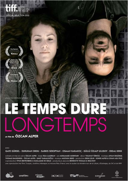 Le Temps dure longtemps : affiche