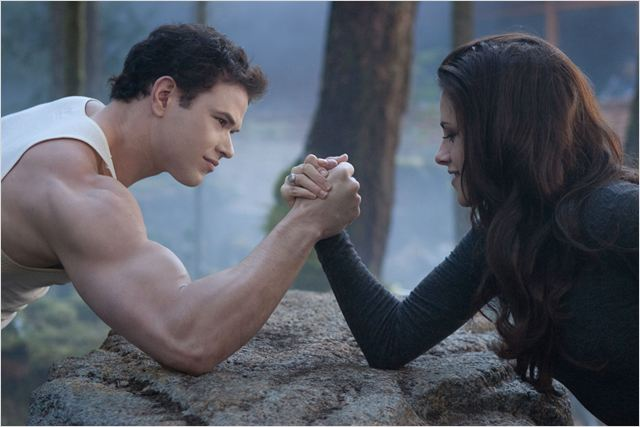 Twilight - Chapitre 5 : Révélation 2e partie : photo Bill Condon, Kellan Lutz, Kristen Stewart, Stephenie Meyer