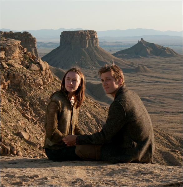 Les &#194;mes Vagabondes : Photo Jake Abel, Saoirse Ronan