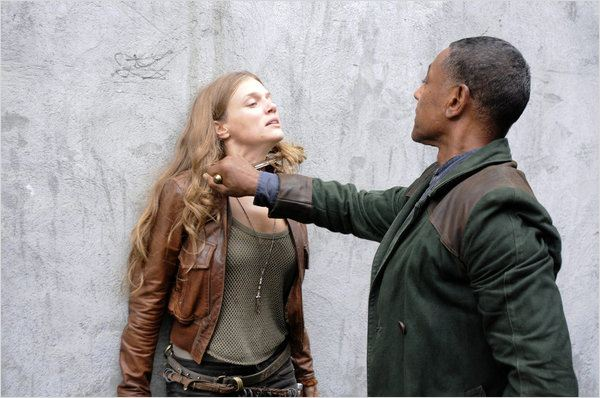 Photo Giancarlo Esposito, Tracy Spiridakos