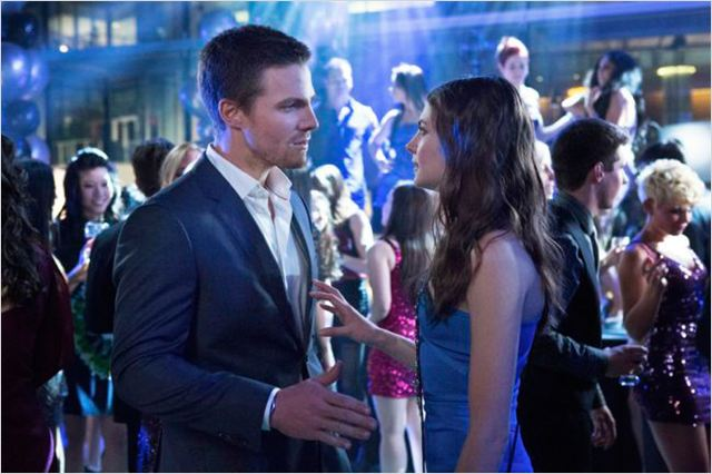 Arrow : photo Stephen Amell, Willa Holland