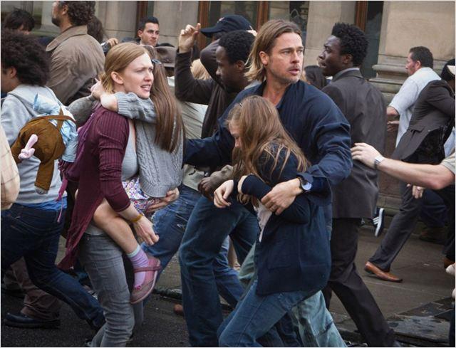 World War Z : Photo Abigail Hargrove, Brad Pitt, Mireille Enos, Sterling Jerins