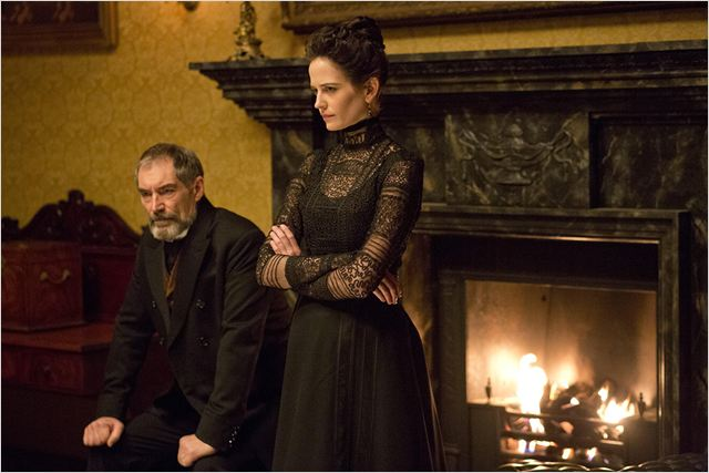 Photo Eva Green, Timothy Dalton