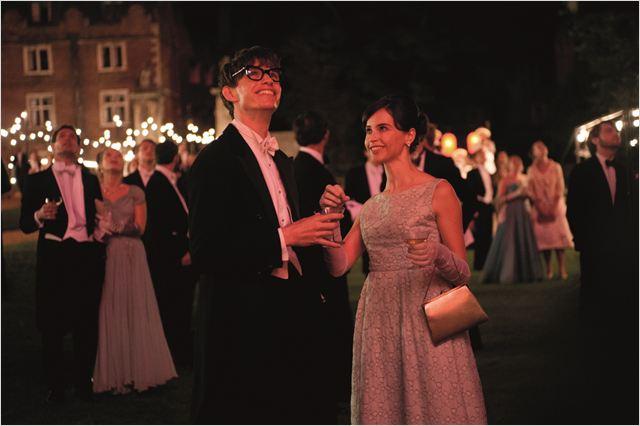 Une merveilleuse histoire du temps : Photo Eddie Redmayne, Felicity Jones