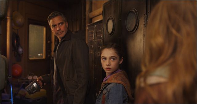 À la poursuite de demain : Photo George Clooney, Raffey Cassidy