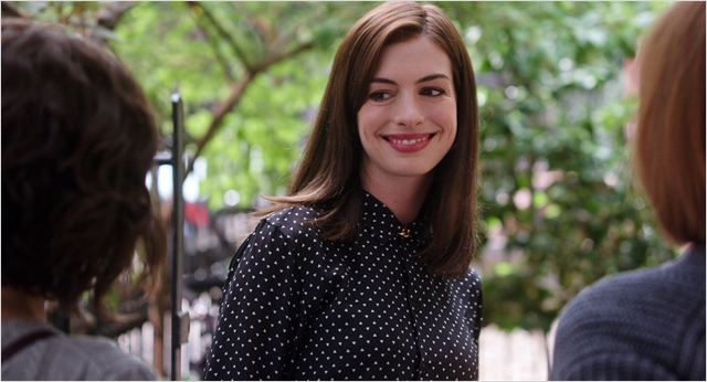 le nouveau stagiaire photo anne hathaway allocin. Black Bedroom Furniture Sets. Home Design Ideas