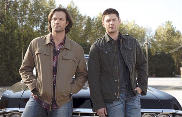 Photo de jared padalecki dans la s rie supernatural photo 91 sur 509 allocin - Jensen ackles taille ...