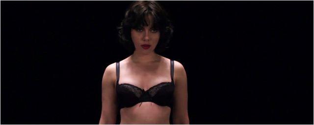 Scarlett Johansson se dévoile dans la bande-annonce d'Under the skin