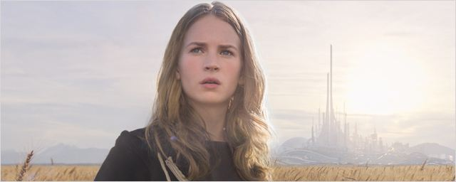 A la poursuite de demain : Qui est Britt Robertson, la jeune héroïne du blockbuster Disney ?