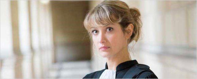 Zoom sur Caroline Anglade, l'adversaire de Clémentine Célarié dans Lebowitz contre Lebowitz sur France 2