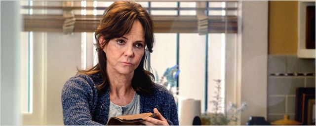 "Sally Field descend The Amazing Spider-Man : ""10 kilos de merde"" !"