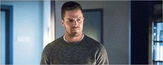 Arrow saison 5 : Stephen Amell se prend un gnon... et le partage !