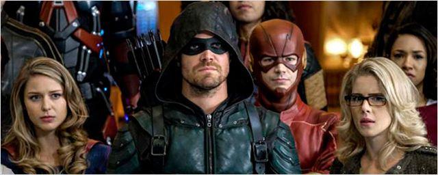Arrow, Flash, Supergirl... Toutes les photos du super-cross-over [SPOILERS]