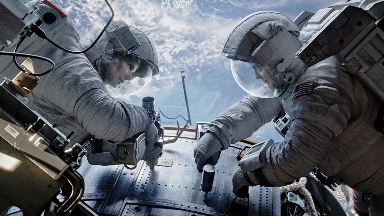 Gravity sur TFX : où se cache Ed Harris dans le film ?